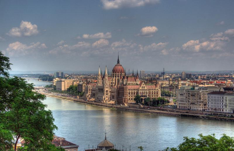 Avion + 3 nopti cazare Budapesta